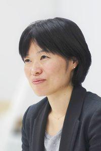 内田 奈芳美